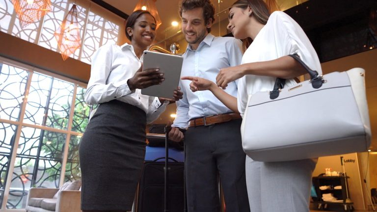3 Advantages of a hospitality management software to your business
